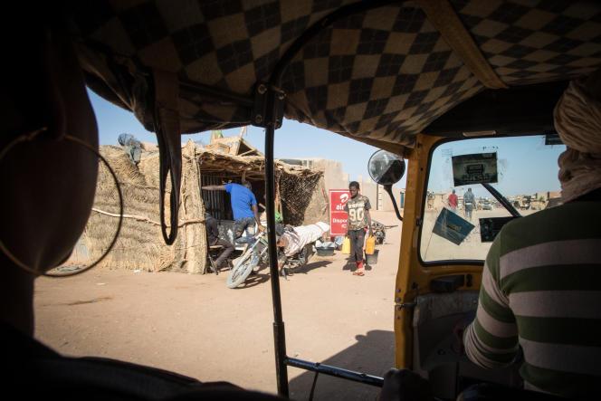 Pour se déplacer à Agadez, Yvette utilise le moyen de transport le moins cher: le «tchouk-tchouk». Un trajet lui revient à 300francs CFA.