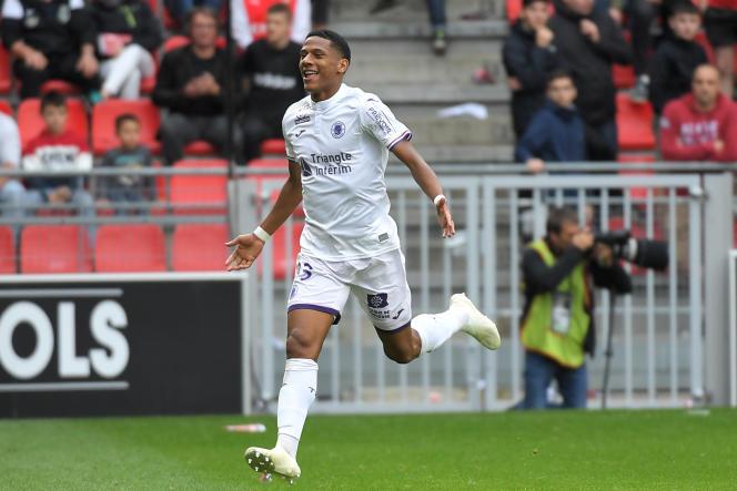 Le défenseur Jean-Clair Todibo célèbre son but contre Rennes, au Roazhon Park, le30septembre2018.