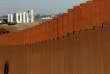A la frontière entre les Etats-Unis et le Mexique, au niveau de Tijuana, le 7 janvier.