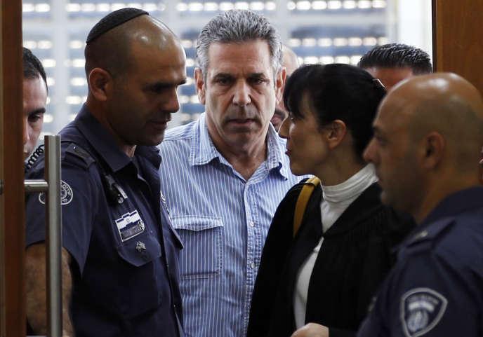 M. Segev a été arrêté en mai à l'aéroport Ben Gourion, près de Tel-Aviv, puis détenu au secret jusqu'à ce que le Shin Beth, le service de sécurité intérieure, annonce sa détention le 18 juin.