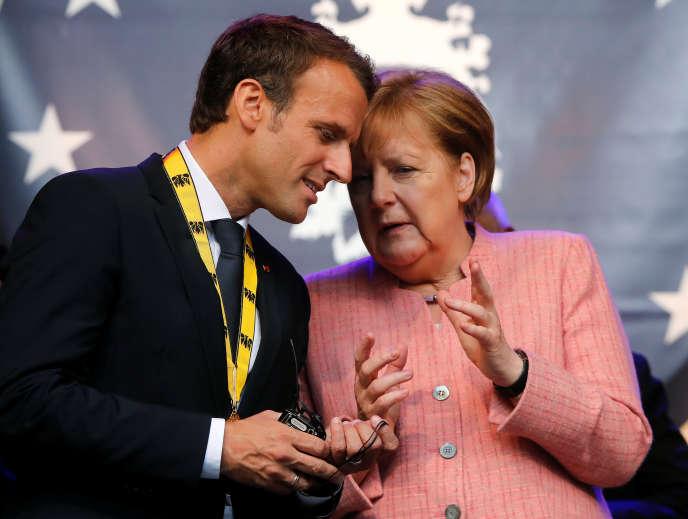 Emmanuel Macron et Angela Merkel, le 10 mai 2018, à Aix-la-Chapelle (Allemagne).
