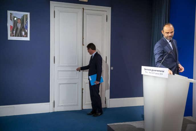 Benjamin Griveaux, ministre et porte-parole du gouvernement, et Edouard Philippe, à l'issue du conseil des ministres et du séminaire gouvernemental, à l'Elysée, le 9 janvier.