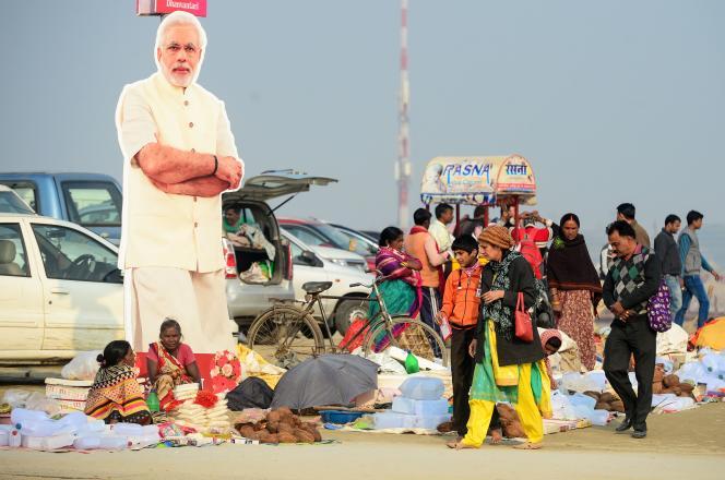 Une silhouette découpée dupremier ministreindien, NarendaModi, durant le festival régional de laKumbhMelad'Allabaddans la région indienne de l'Uttar Pradesh, le 20 décembre 2018.