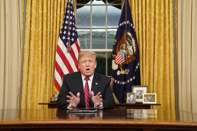 Donald Trump lors de son allocution à la nation depuis le bureau Ovale à Washington, le 8 janvier.
