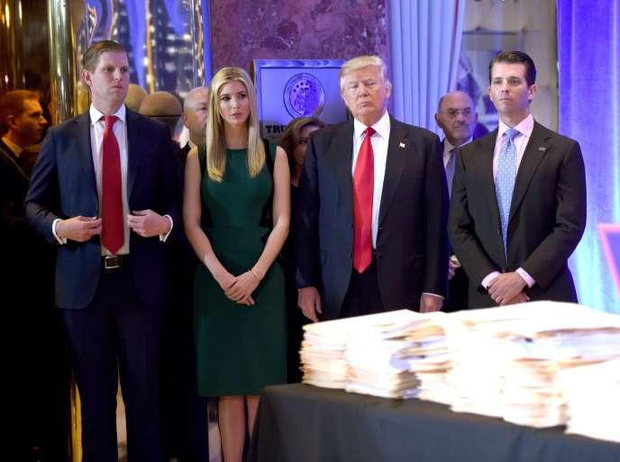 Donald Trump et ses enfants Eric, Ivanka et Donald Jr à la Trump Tower, le 11 janvier 2017.