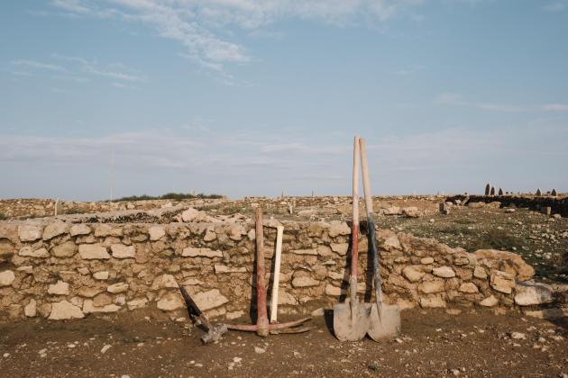Aux alentours du cimetière d'Al-Mamoun.ALEXANDRA ROSE HOWLAND POUR LE MONDE