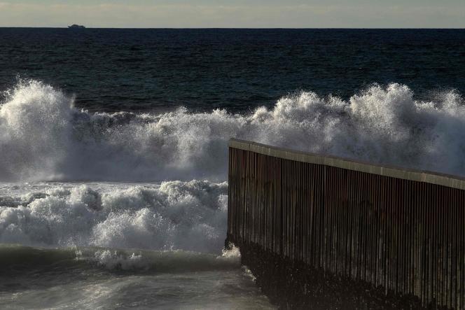 Le mur vu à Tijuana, le 9 janvier 2019.