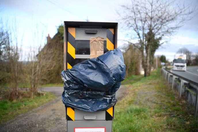 Un radar dégradé à La Brulatte, dans le Pays de la Loire.