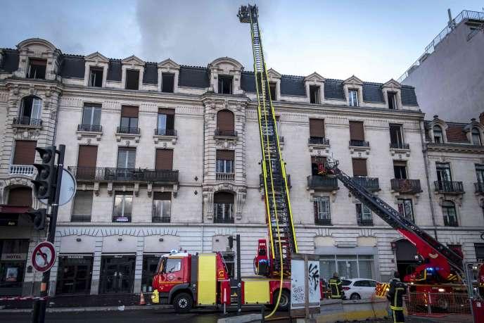 Un violent incendie a ravagé un immeuble dans le centre de Toulouse dans la nuit de mercredi à jeudi.