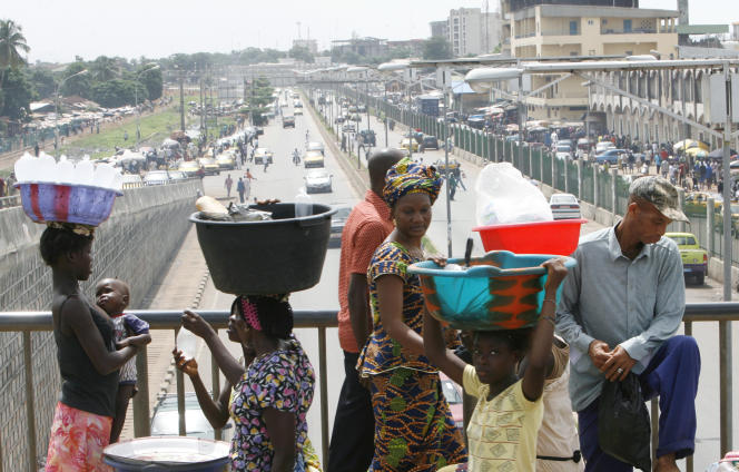 Près du marché Madina, à Conakry, en 2010.