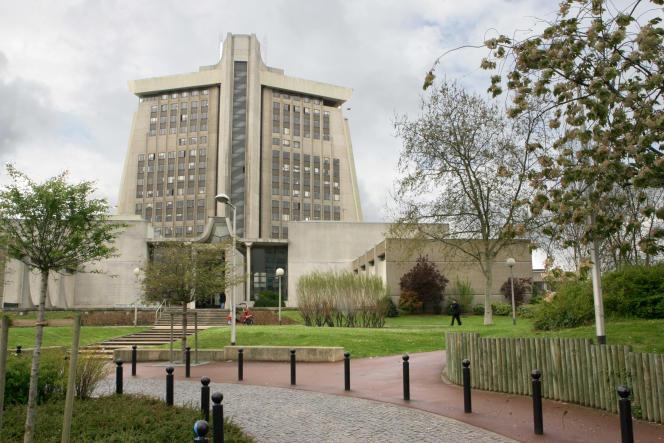 Le tribunal de grande instance de Créteil, en 2005.