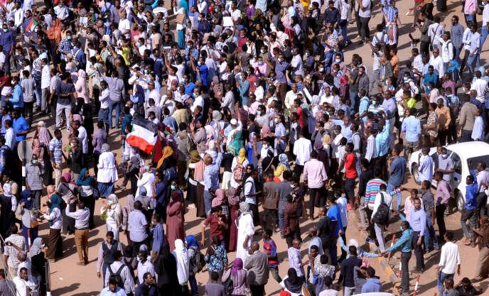 Manifestation antigouvernementale dans les rues de la capitale soudanaise Khartoum, le 25 décembre 2018.