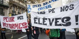 Manifestations d'enseignants, à Paris, le 12 novembre 2018.