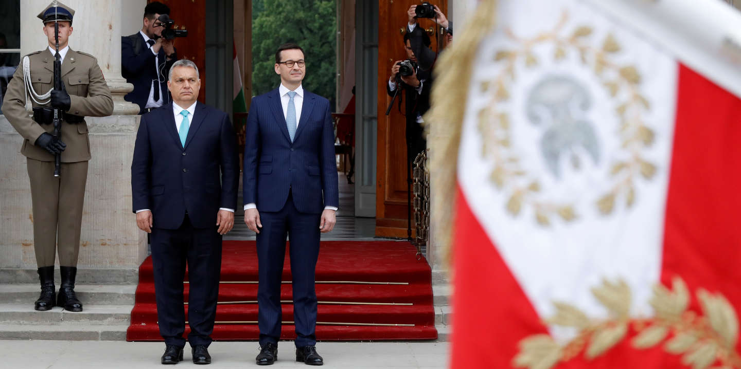 Poland's Prime Minister Mateusz Morawiecki meets his Hungarian counterpart Viktor Orban in Warsaw, Poland May 14, 2018. REUTERS/Kacper Pempel - RC18885B5850