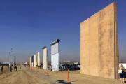 Des prototypes envisagés en 2017 pour le mur à la frontière entre Etats-Unis et Mexique.
