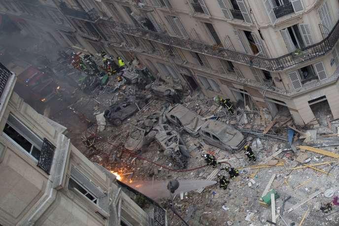 Après l'explosion à l'angle des rues Sainte-Cécile et de Trévise, dans le 9earrondissement de Paris, le 12 janvier.