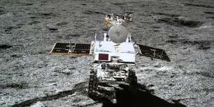 Le petit rover de la mission chinoise Chang'e-4 à la surface de la Lune le 11 janvier.
