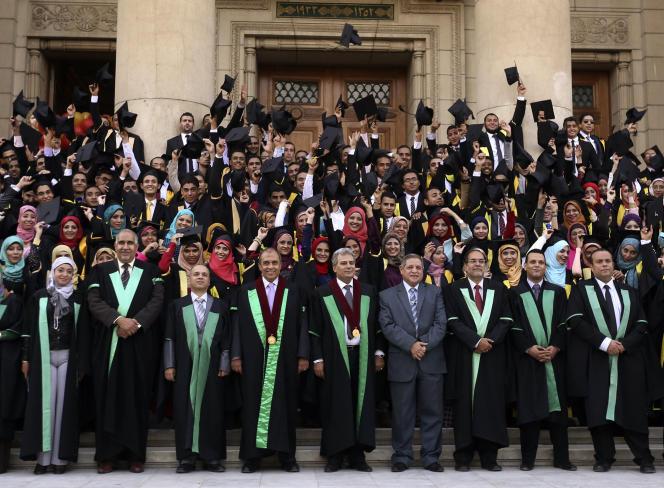 Une promotion d'étudiants de l'Université du Caire, en octobre 2014.
