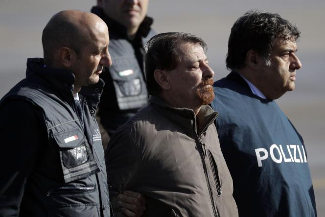 Cesare Battisti, à son arrivée à Rome le 14 janvier 2019 après son arrestation en Bolivie.