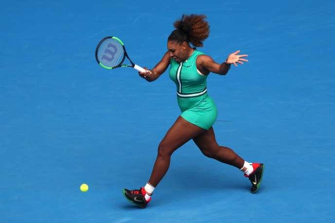 Serena Williams, lors de son premier tour victorieux à l'Open d'Australie contre Tatjana Maria, le 15 janvier.