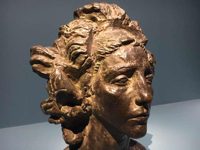 «La Chilienne» (Henriette Petit), élève et modèle, sculpture d'Antoine Bourdelle, en 1928.