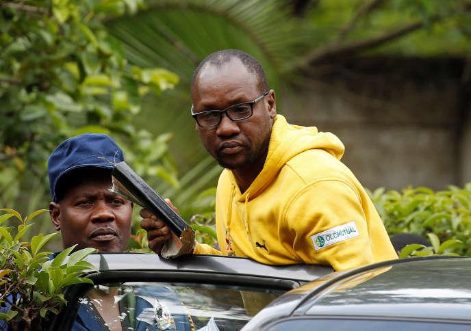 Le militant Evan Mawarire lors de son arrestation à Harare, au Zimbabwe, le 16janvier 2019.
