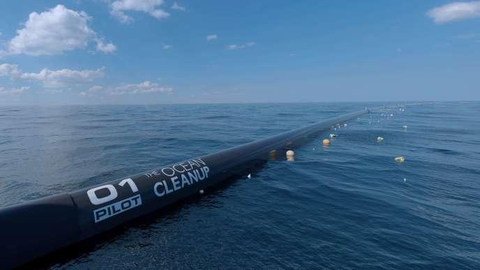 La barrière flottante de la fondation néerlandaise The Ocean Cleanup, le 10 mai 2017.