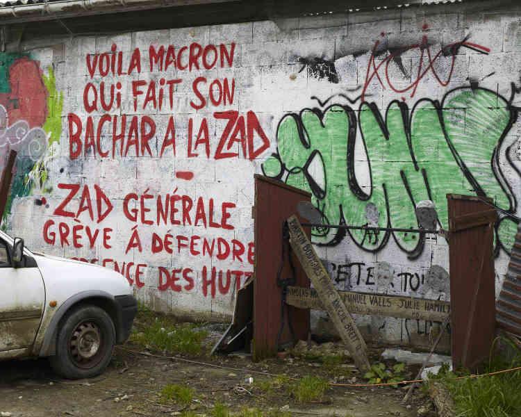 Le 17 Janvier, à La Grée.Un an après l'intervention des gendarmes mobiles, en avril et en mai 2018, demeurent encore des structures où vivent des habitants refusant les normes sociales.