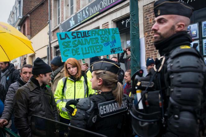 Ingrid Levavasseur le 15 janvier lors de la visite d'Emmanuel Macron à Bourgtheroulde.
