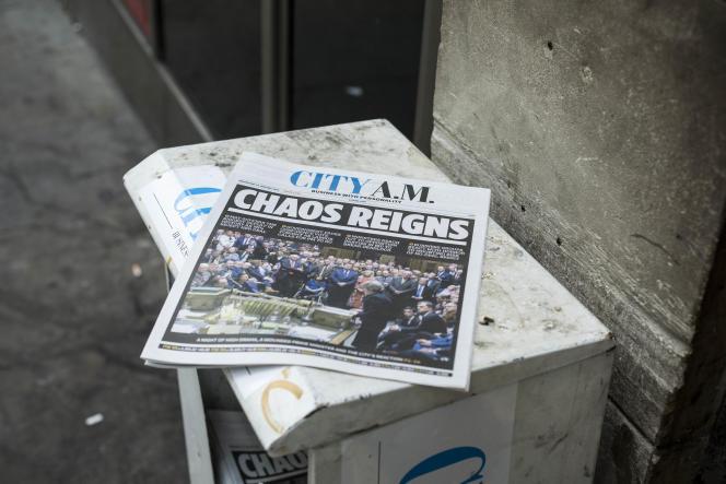«Chaos reigns» (« Lechaos règne«) titre le journal gratuit londonien «City AM», mercredi16 janvier, au lendemain de l'échec de l'accord avec l'Union européenne.
