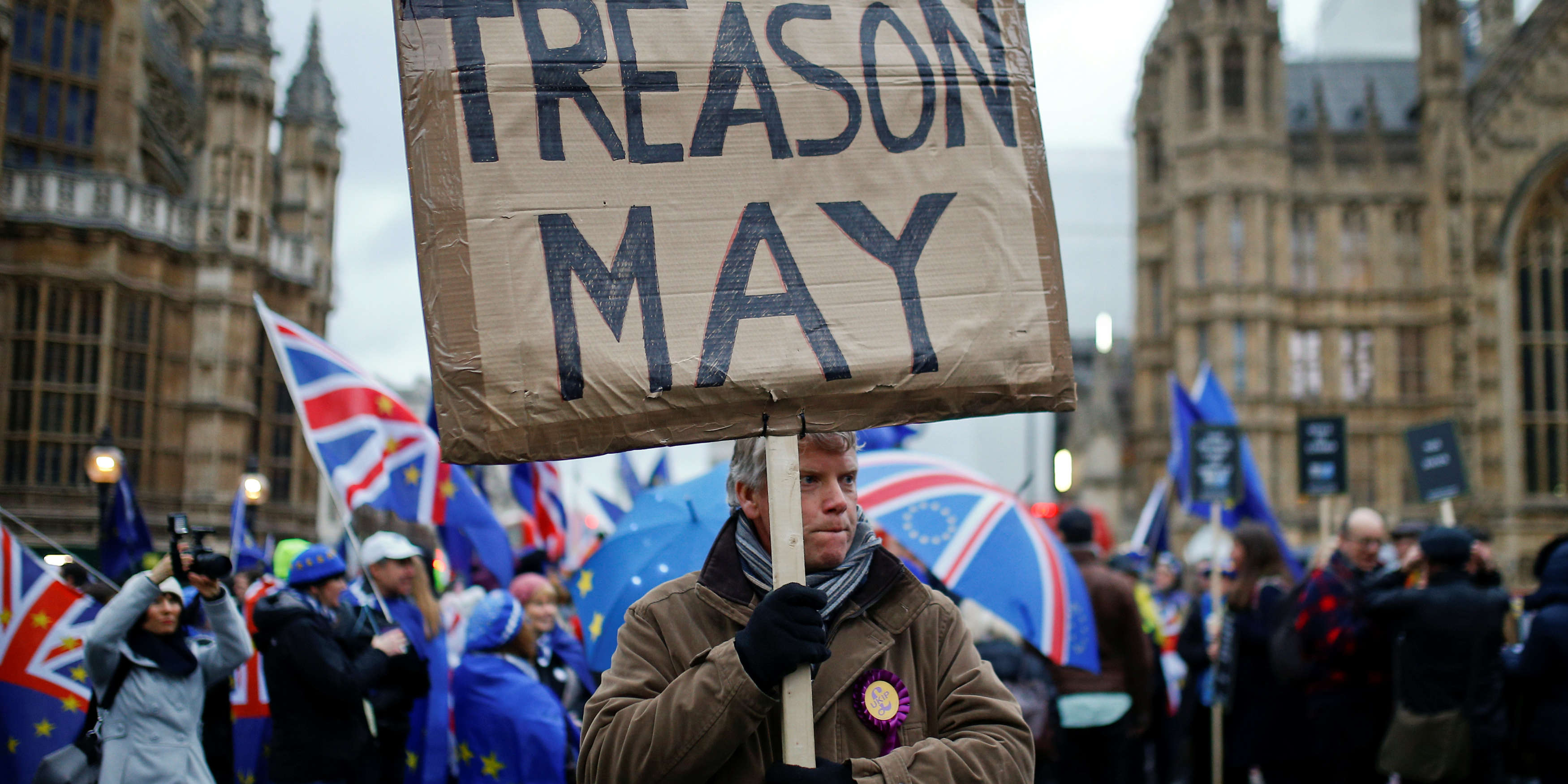 Brexit : suivez en direct les réactions après le vote du Parlement britannique contre l'accord