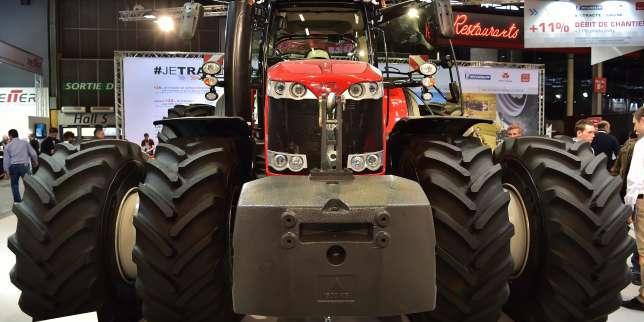Le stand de Massey Ferguson lors du SIMA, le Salon international du machinisme agricole, à Paris, le 26 février.