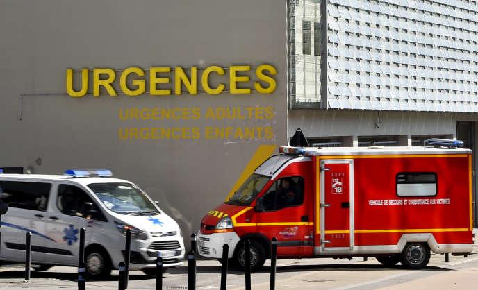 Devant les urgences du CHU de Nantes, en mars 2017.