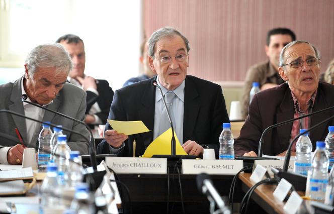 Gilbert Baumet lors d'un conseil municipal, le 31 mars 2009, à Pont-Saint-Esprit.