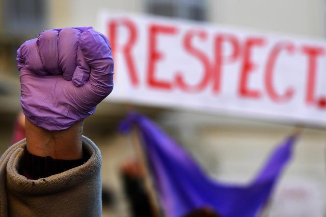 Le Haut Conseil à l'égalité rappelle que «les injures sexistes entretiennent la culture des violences faites aux femmes»