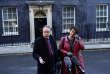 Les dirigeants du Parti démocratique unioniste (DUP) Arlene Foster et Nigel Dodds, à leur sortie du 10, Downing Street, où ils ont été consultés par Theresa May, le 17 janvier.