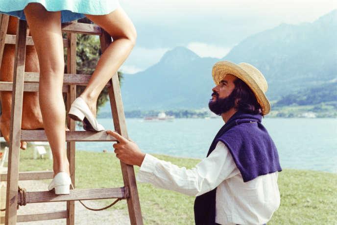 Jean-Claude Brialy (Jérôme) et les jambes de Laurence de Monaghan (Claire) dans «Le Genou de Claire» (1970), d'Eric Rohmer.