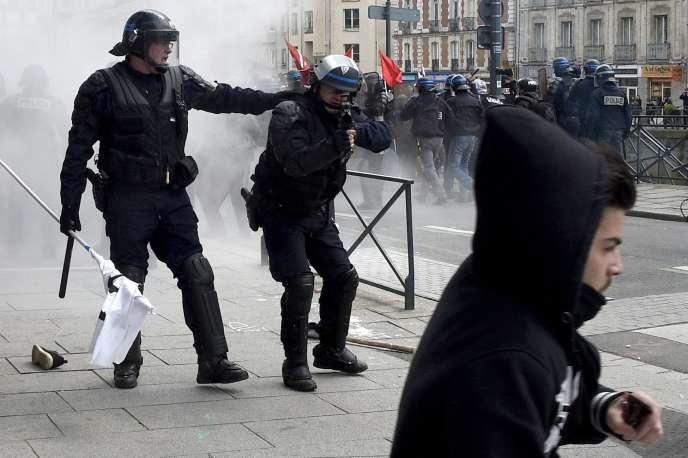 Manifestation contre la réforme du code du travail, à Rennes, le 28 avril 2016.