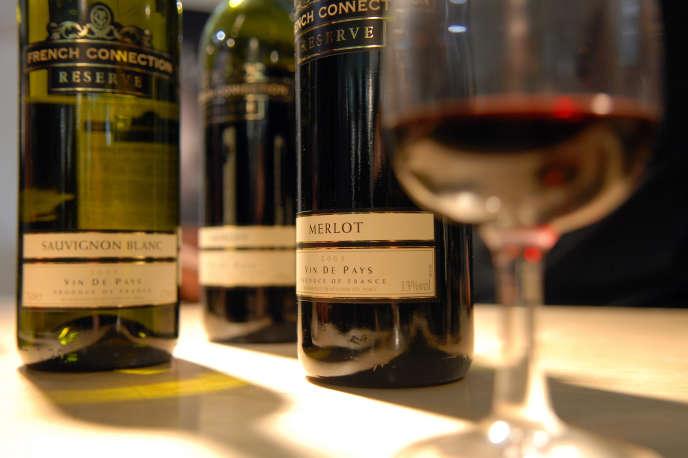 Des bouteilles de vin français, à la Foire au vin« Wine Show», à Londres, en 2006.
