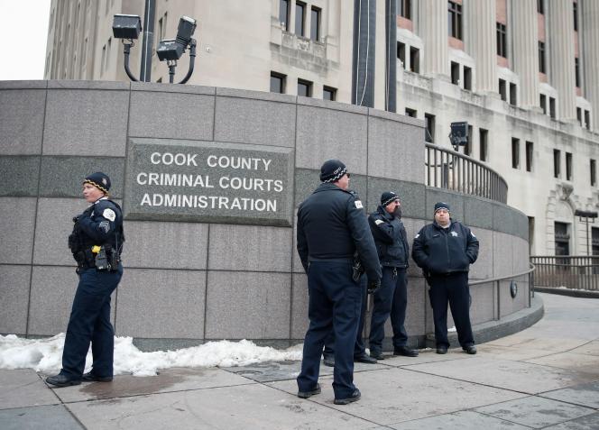Devant la cour criminelle Leighton de Chicago (Illinois), le 18 janvier.