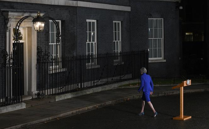 Theresa May après une conférence de presse, à Downing Street (Londres), le 15 janvier 2019.