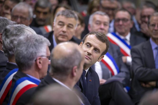 Emmanuel Macronlors de sa rencontre avec des maires d'Occitanie pour préparer le Grand débatnational,àSouillac(Lot), le 18 janvier.