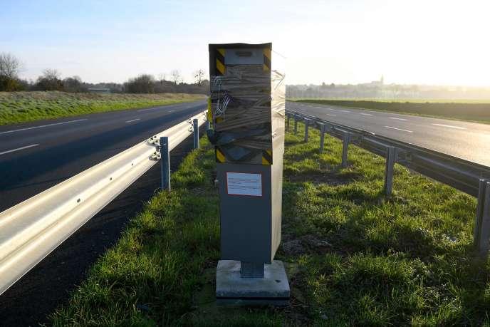 Un radar vandalisé à Bédée, dans l'ouest de la France, le 10janvier dernier.