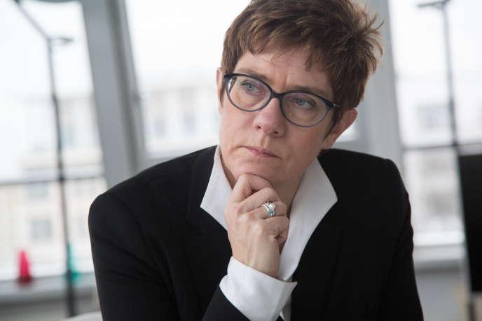 Annegret Kramp-Karrenbauer, présidente de la CDU, dans son bureau au siège du parti, le 15 janvier.