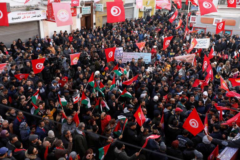 Manifestation à Tunis lors de la grève générale du secteur public, le 17 janvier 2019.