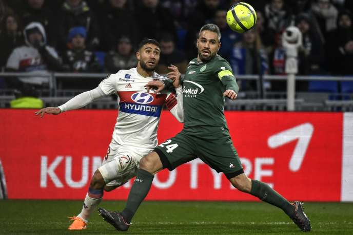 Loïc Perrin (in green of course) in the fight with Nabil Fekir, February 25, 2018.