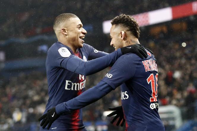 Les recrutements de Neymar et Kylian Mbappé ont placé le Paris-Saint-Germain sous la menace du fair-play financier.