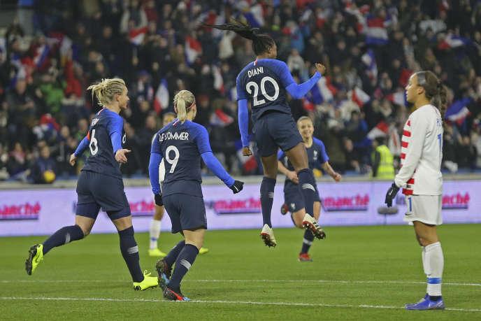 Kadidiatou Diani exults: she just opened the scoring against the United States.