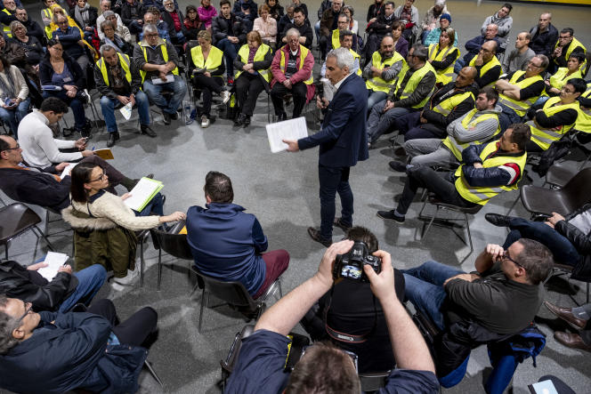 Grand débat national à Grigny (Essonne), le 17 janvier.