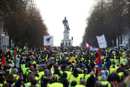 Manifestation des « gilets jaunes », samedi 19 janvier, à Angers.
